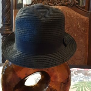 Same style as the previous hat. used.